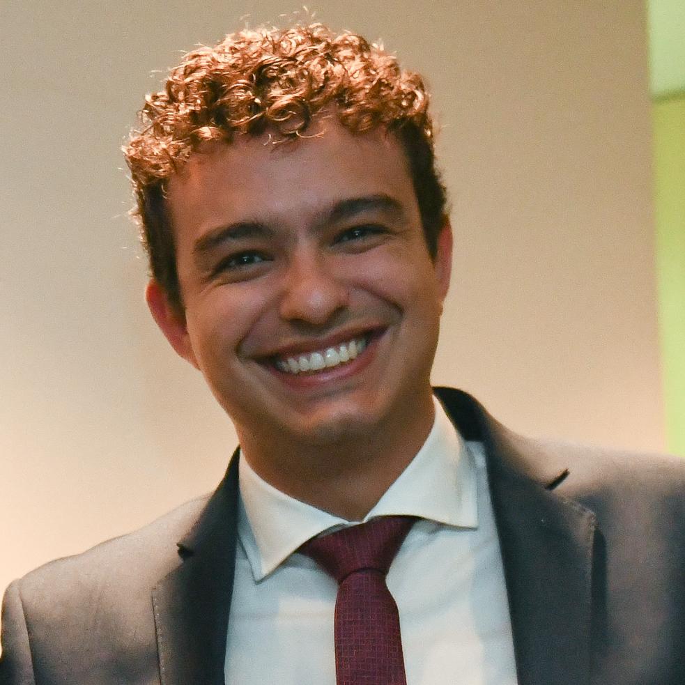 André Henares Campos Silva