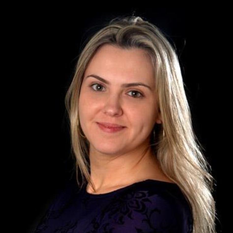 Daniela Vilariço Alves de Oliveira