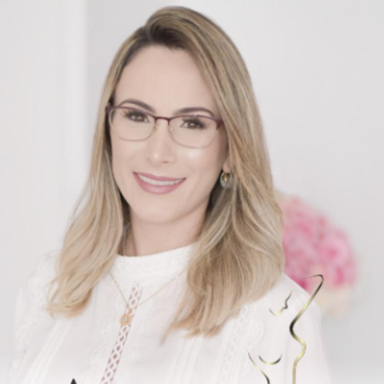 Aline Fioravanti Pasquetti Queiroz