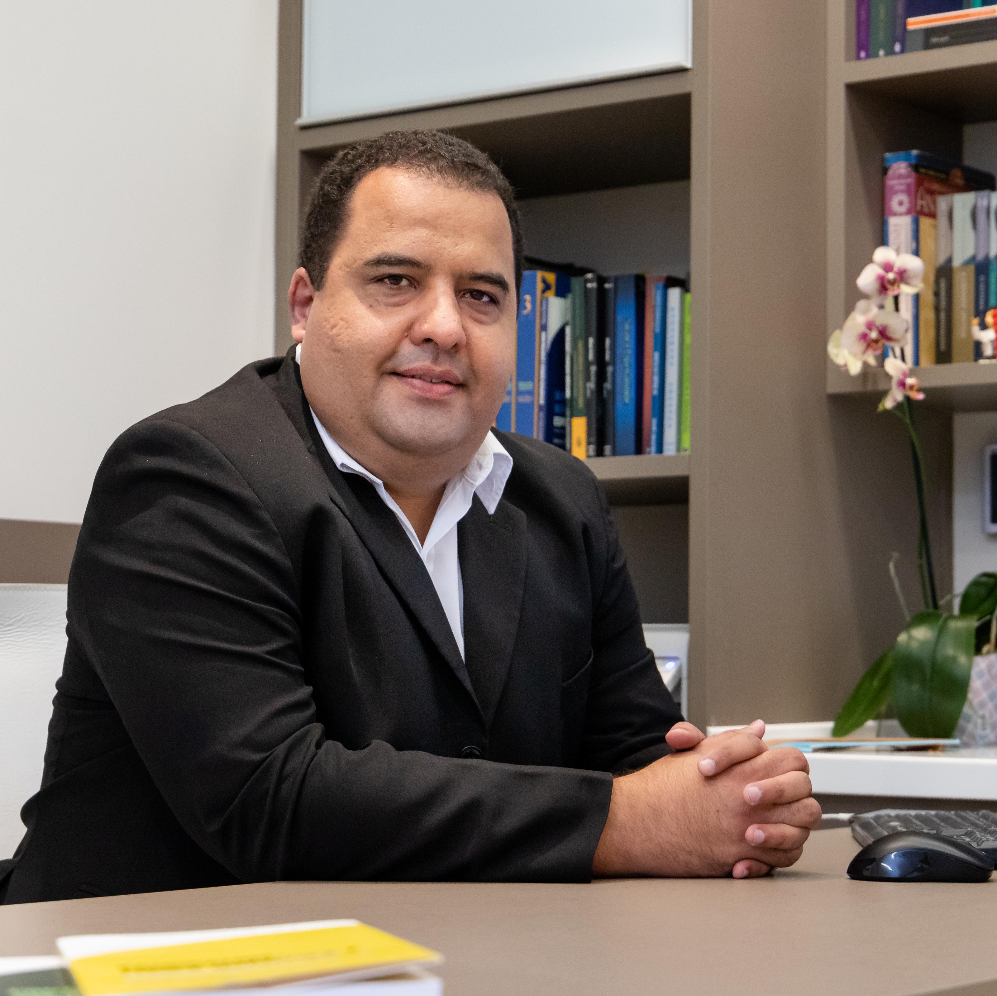 Fabrício Henrique Alves de Oliveira e Oliveira