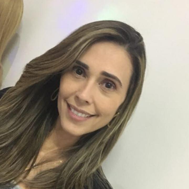 Daniela Fonseca Rodrigues Poubel